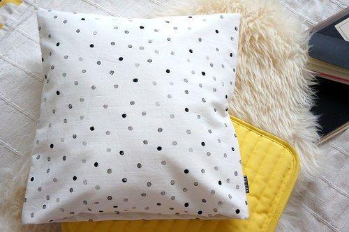 Pillow case Dotty handmade by POMPOM