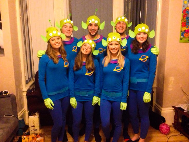 DIY Group costumes. Disney costumes. Disney fancy dress ideas. How to make tutorial Disney Pixar Toy Story - Little Green Men Aliens Fancy Dress Halloween Group Costume The Claw Outfit clever cute unique. Friends outfit large group costume DIY Homemade outfit How to here: http://clothes-andstuff.blogspot.co.uk/2014/11/h-o-m-e-m-d-e-h-l-l-o-w-e-e-n.html