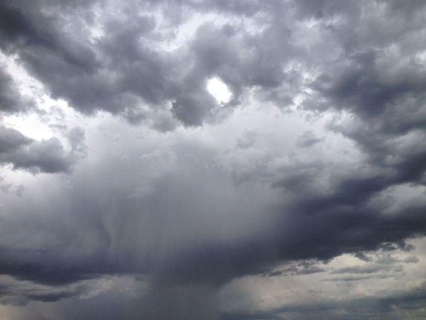 σύννεφα καιρός