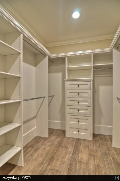 I need some drawers and more shelving in my closet!