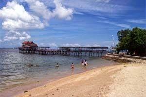 Jual Tiket Pesawat: Pantai Akkarena Makassar Indonesia  Terletak di daerah sekitaran pantai kota Makassar, lebih tepatnya di depan Mall GTC Makassar, hanya sekitar 10 menit dari pusat kota dengan menggunakan kendaraan pribadi. Pantai Akkarena merupakan pantai berpasir hitam yang mempesona, menjadikan pantai ini sebagai pilihan yang tepat untuk rekreasi bersama keluarga. - See more at: http://tiketpesawatklaten.blogspot.com/2014/06/pantai-akkarena-makassar-indonesia.html#sthash.7Od6KtiQ.dpuf