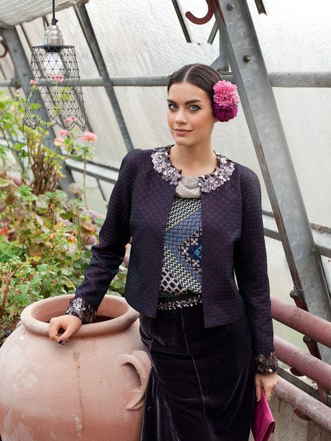 Burda Style: jaquard jacket sewing pattern available for download.