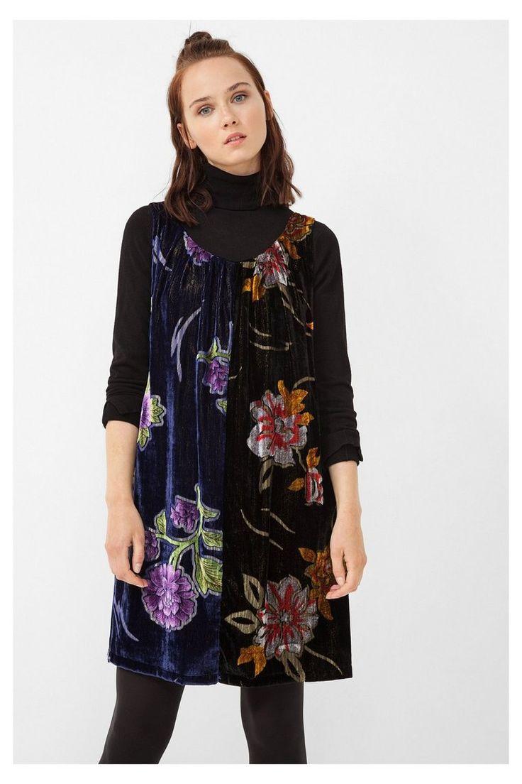 Vestido negro de terciopelo Brasov Desigual. Descubre la colección otoño-invierno 2016. ¡Devoluciones y envío a tienda gratis!