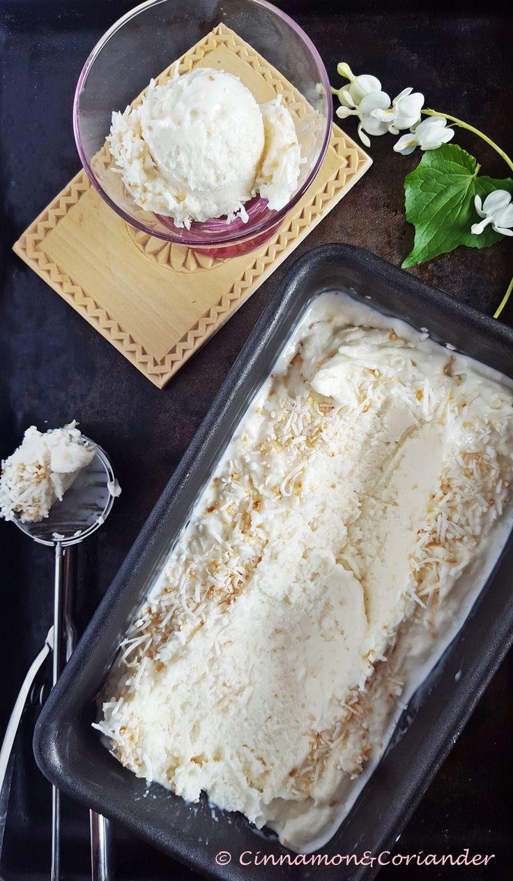 Dieses Kokos Eis ist für wahre Kokosliebhaber. Durch Zugabe von Kokosmilch, Kokos Creme und gerösteten Kokosflocken wird es unglaublich geschmacksintensiv!