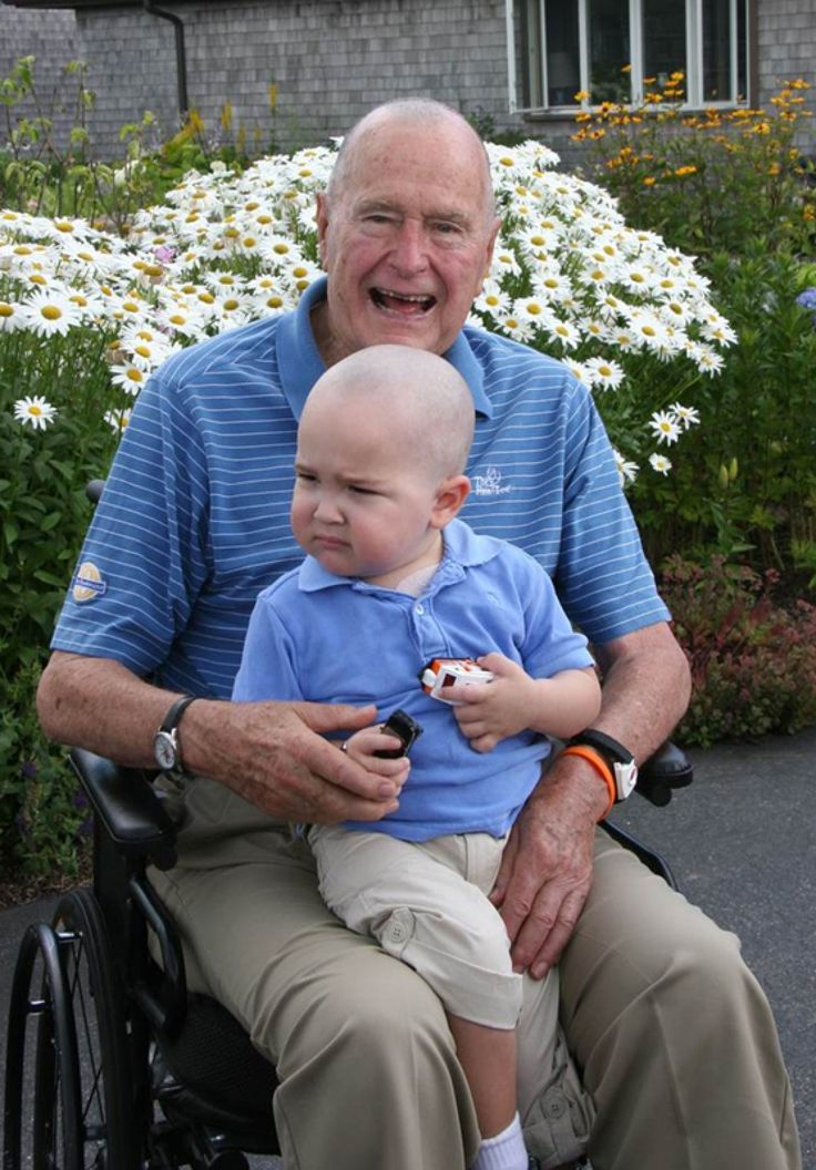 Shaving his head in support of young Patrick, George H.W. Bush embraces the new cut. #Inspiring and full of compassion #childhoodcancer