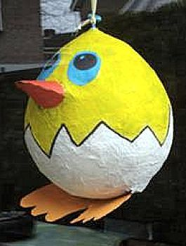 Heel leuk idee voor een beeldles rond Pasen in de 3e graad. Met een ballon, wat kranten, behangerslijm en verf kom je al heel ver!
