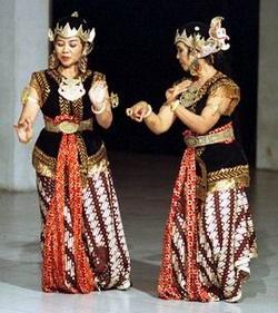 javanese dress in   performance