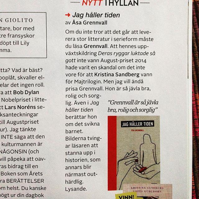Malin Persson Giolito prisar Åsa Grennvall och Jag håller tiden i nya numret av Amelia.