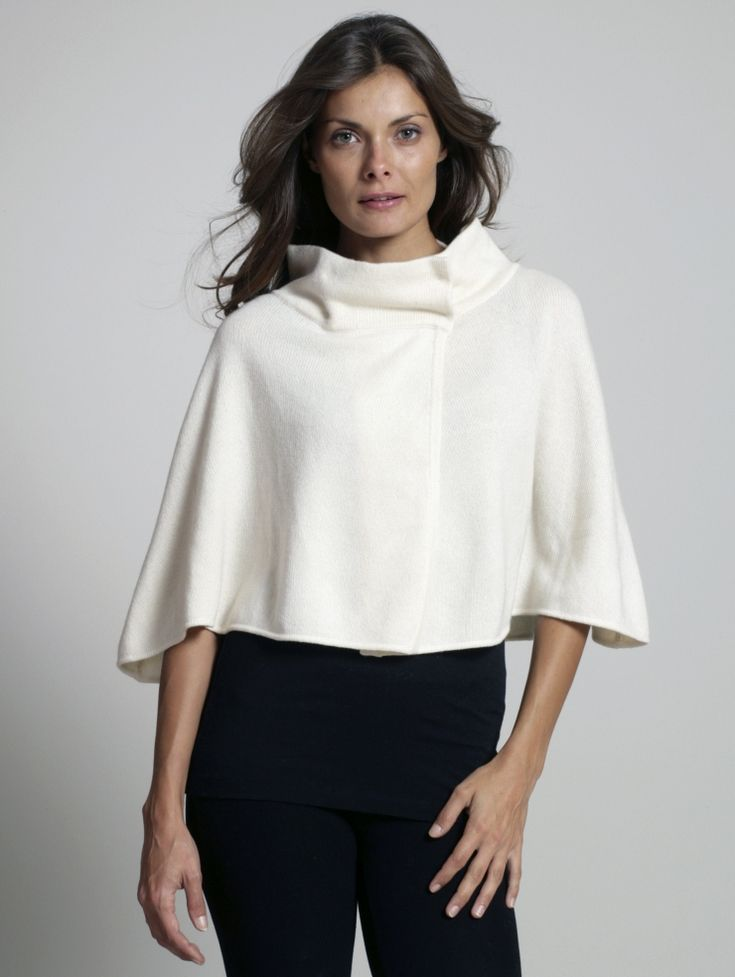 i like this cape...was featured as a kind of Gwyneth Paltrow oscar look! AND IT'S ON SALE!: Gwyneth Paltrow, Wear White, Street Style, Red Carpets, Capes Wa Features, Paltrow Oscars, Cashmere Capes, Warren Cashmere