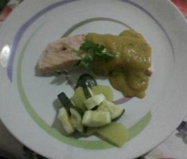 Ricetta Trancio di salmone al varoma con salsetta di verdure allo zafferano pubblicata da ansonica - Questa ricetta è nella categoria Secondi piatti a base di pesce