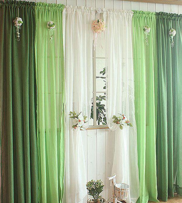 Зеленые шторы с цветочным декором для весны