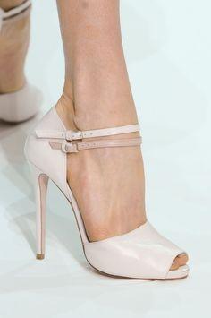 También en zapatos.. Elie Saab