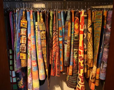 Living and Dyeing Under the Big Sky: Quilt Organization - Closet Cleaning