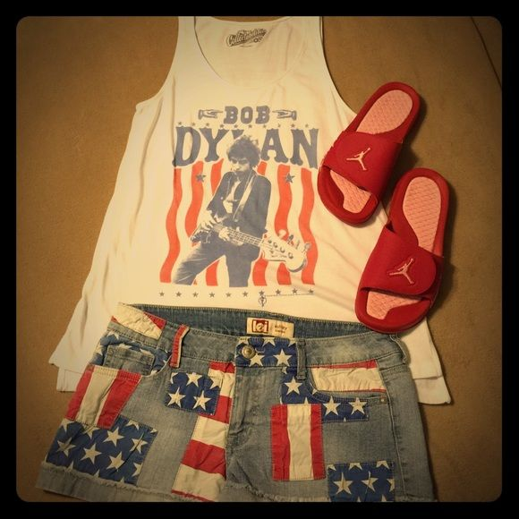 Old Navy Collectible Tank Bob Dylan Old Navy Collectible Tank-Worn once!!! Have USA flag shorts & Sandals for sale in my closet as well! Old Navy Tops Tank Tops