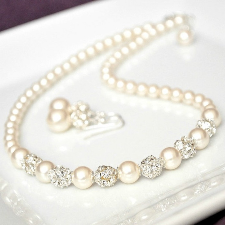 #Wedding Necklace & Earrings - Pearls  How pretty are these, so delicate...