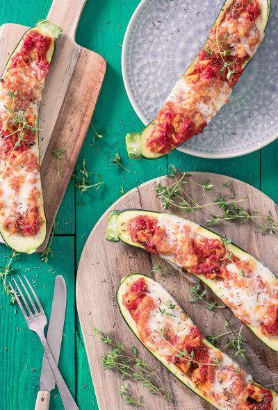 Gevulde courgette met kip tomaat en mozzarella
