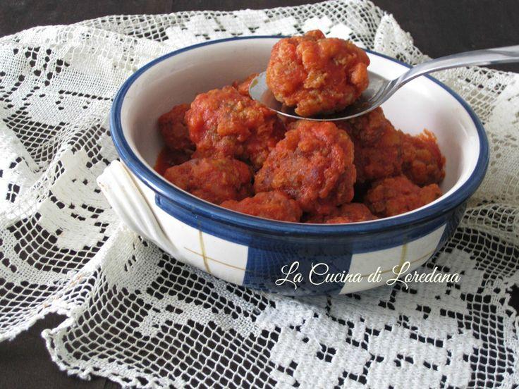 Un secondo piatto che conquista sempre tutti: le Polpette al pomodoro, morbide e deliziose, semplici da preparare per la gioia dei piccoli di casa