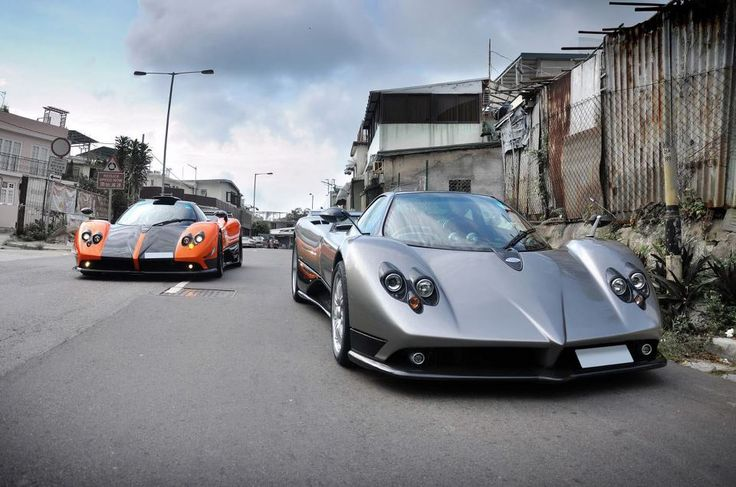 Pagani Zonda Cinque #3 and a Zonda F together!