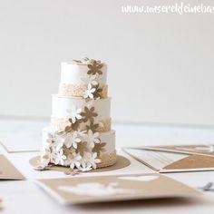 Explosionsbox mit einer Torte - ein super Geschenkidee für Geldgeschenke zur Hochzeit #hochzeit #geschenk #explosionsbox #hochzeitstorte #papier #craft #makers #diy #basteln #papercraft #stampinup #alexandrarenke #verpackung #photooftheday #unserekleinebastelstube