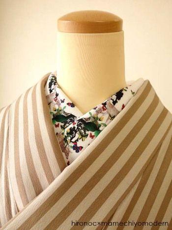 猪鹿蝶モチーフの半襟です。このようにプリントされた半襟は、着物の素材をあまり選ばずどんどんチャレンジしていきたいですよね。