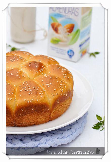 Pan de leche de almendras http://www.midulcetentacion.es/2013/10/pan-de-leche-de-almendras.html