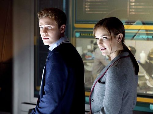 Agents Leo Fitz and Jemma Simmons (Iain De Caestrecker and Elizabeth Henstridge)