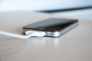 (CNN) — The tiniest iPhone rumors can cause a big uproar.