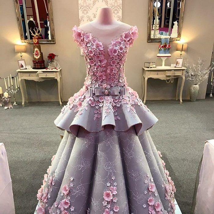 Изумительный торт в виде свадебного платья. Обсуждение на LiveInternet - Российский Сервис Онлайн-Дневников