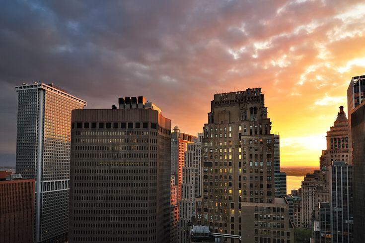 Sunset over Lower Manhattan, New York City http://www.wallpapersu.com/hd-wallpaper-new-york-city/