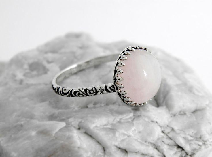 CERTIFIKÁT+925+Stříbro+přírodní+Růženín+Popis+šperkuR49+Nabízíme+Vám+v+naší+dílně+ručně+vyrobený+925+stříbrný+prsten.+V+případě+zájmu+vyrobíme+k+tomuto+šperku-+přívěsek,+náramek,+náušnice,komplet.+Komplety+nebo+jenom+prsteny+jsou+možné+i+z+jiných+Vámi+objednaných+přírodních+kamenů.+Doba+dodání+může+být+závislá+od+doby+dodání+kamenů+do+...
