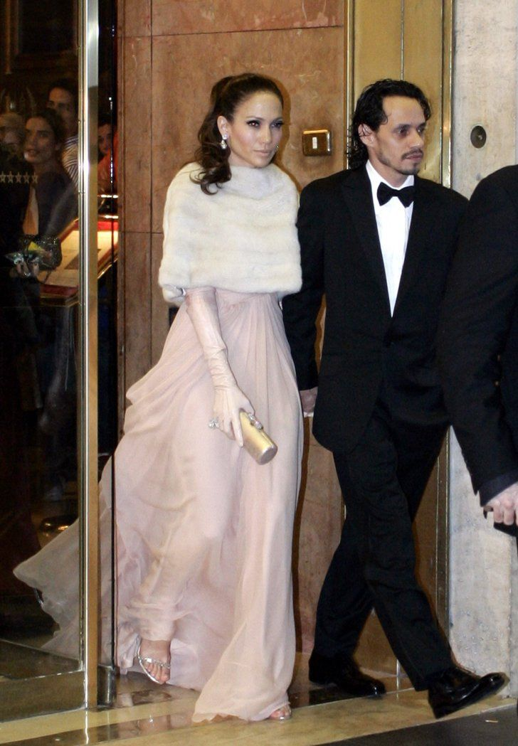 Pin for Later: Can You Spot All the Famous Wedding Guests?  Jennifer Lopez held onto then-husband Marc Anthony while en route to Tom Cruise and Katie Holmes's July 2006 wedding in Rome.