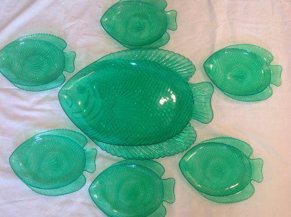 Vintage Set Of 6 Plastic Fish Decor Plates by AntiqueGeneralStore & 286 best Very VTG Kitchen Fish Shaped images on Pinterest   Salt ...