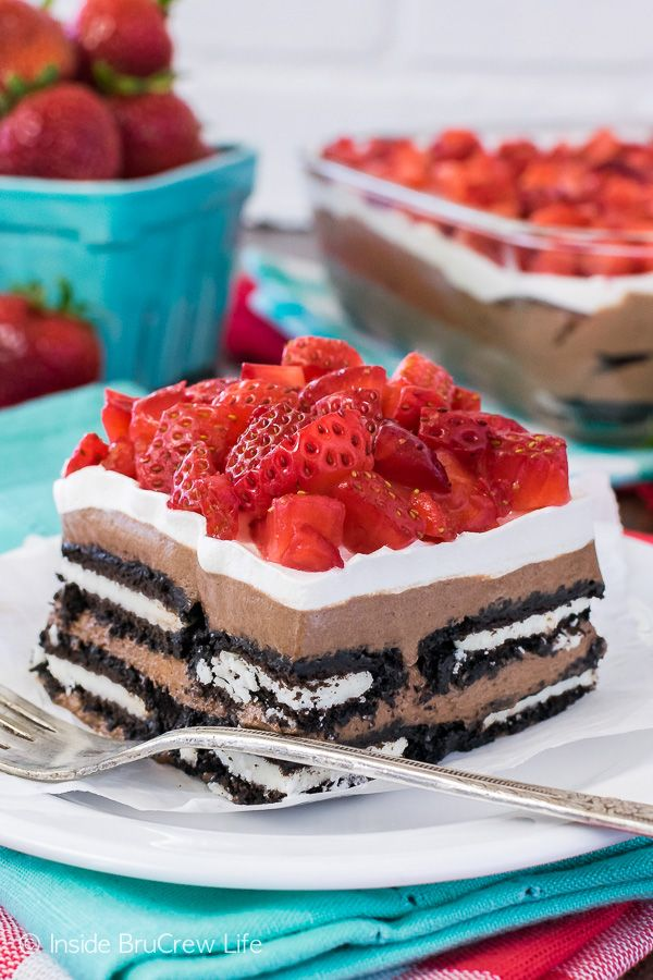 Layers of cookies, cheesecake, and strawberries make this easy No Bake Nutella Oreo Icebox Cake the perfect summer dessert for any picnic or dinner party!