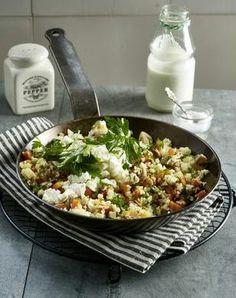 Gebratenes Gemüse mit Couscous, Schafskäse und Joghurt