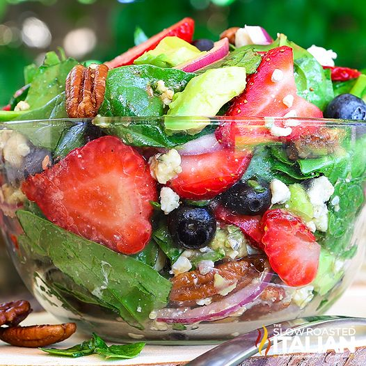 Best Ever Strawberry Spinach Salad ~ http://www.theslowroasteditalian.com/2016/05/best-ever-strawberry-spinach-salad-recipe.html
