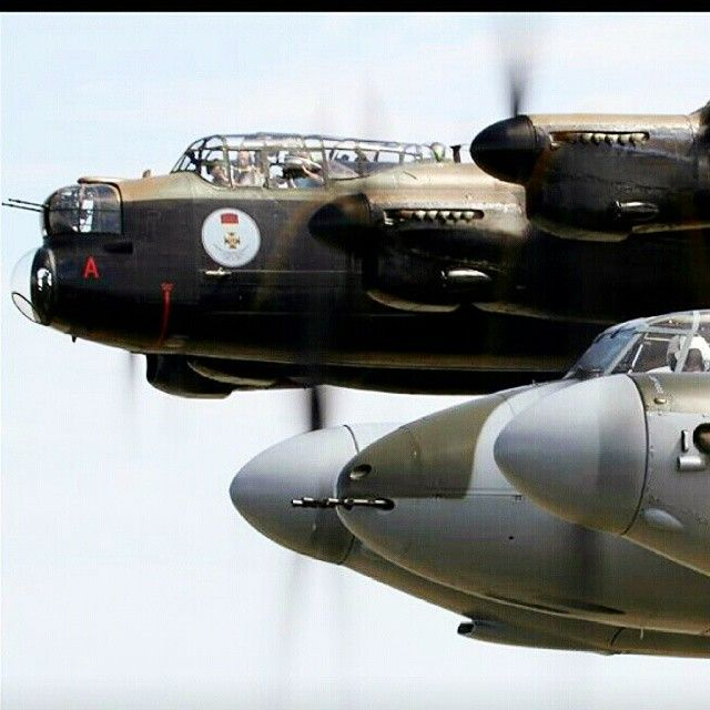 De Havilland Mosquito and Avro Lancaster - back together