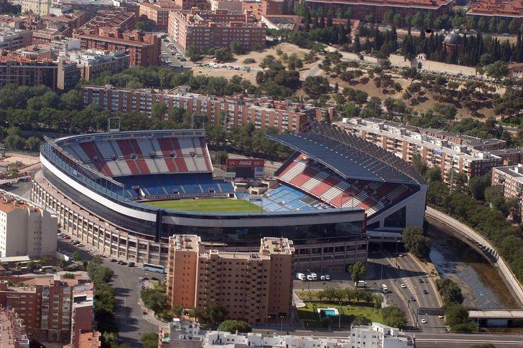 El Estadio Vicente Calderón es un recinto deportivo ubicado en el barrio de Imperial (distrito de Arganzuela), en la ciudad de Madrid, España, a orillas del río Manzanares. Su propietario es el Atlético de Madrid SAD