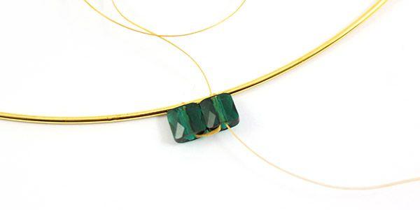 collier émeraude perles mini square Swarovski et Superduo 03