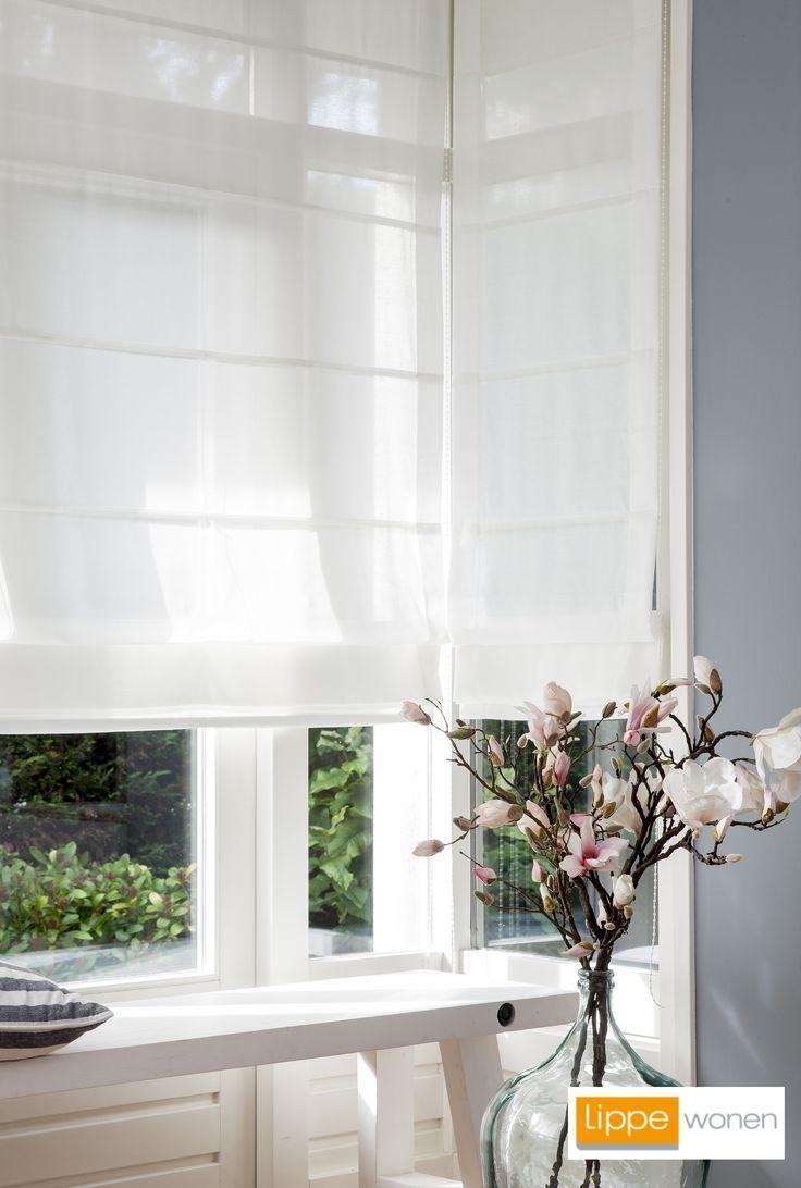 De gordijntrend in 2015 is wit!    Wit wordt het helemaal. We willen smetteloos witte vitrages en gordijnen voor onze ramen om rust, licht en ruimte uit te stralen.