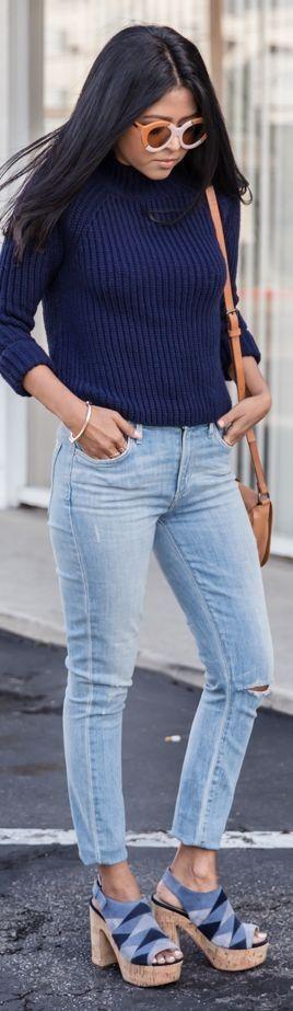 Top: Topshop / Jeans: Agolde / Bag: Liebskind / Shoes: Marc Fisher LTD | Walk in Wonderland: 70's SPRING TREND #top