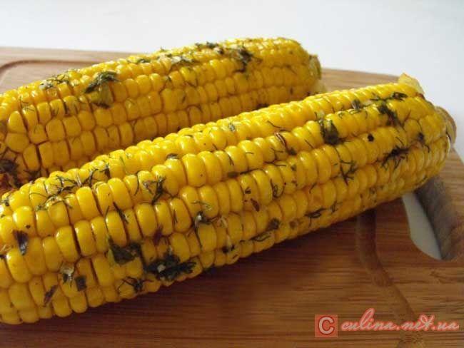 Кукуруза в початках, запеченная в духовке