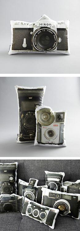 Vintage camera pillows / TechNews24h.com