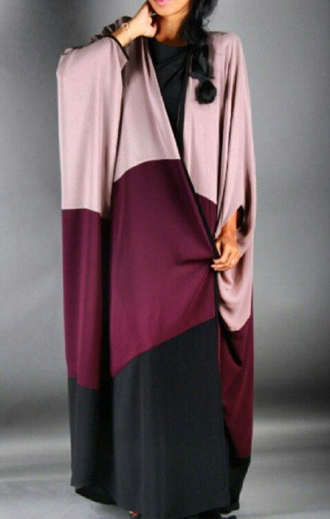 Ghizlan Design #abaya #caftan #kaftan #bisht #islamicdress #arab For more abaya & caftan inspiration please visit my page: www.pinterest.com/santanadxb/abayas-bishts-kaftans-jalabiyas/