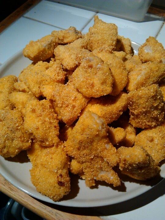 Kyllingenuggets med majsgryn
