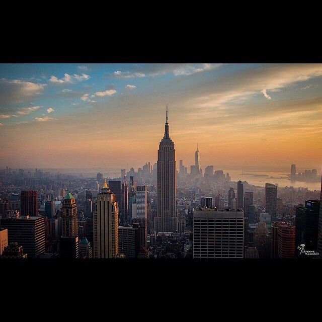 "The SkyLine like no other ""NewYork memories"" #NYC... Wish I could click more of you... #areesz #newyork #empirestate #america"