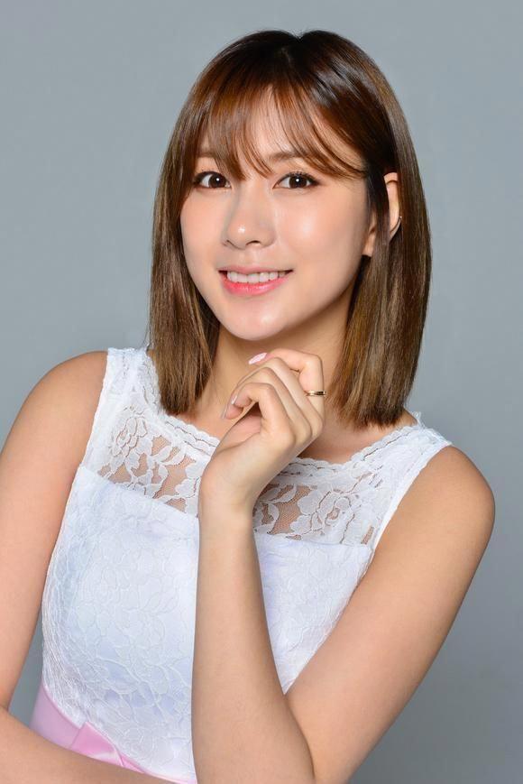 Apink Hayoung Born In South Korea In 1996 Fashion Kpop Fashioninkorea Korean Fashion Korean Fashion Trends Korea Fashion