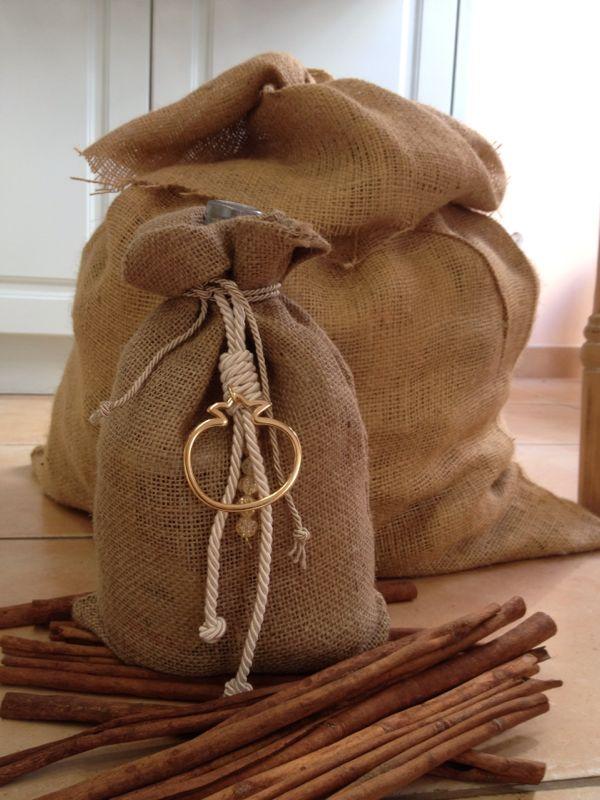 Χρήσιμα χριστουγεννιάτικα δώρα με παραδοσιακά ελληνικά προϊόντα για εσάς και τους αγαπημένους σας.- metotsouvali.gr