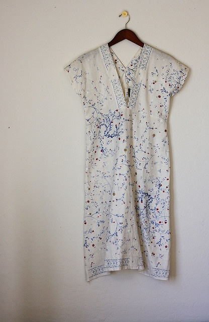 shift dress, pullover, one and done, v neck, embellished, floral, white, blue, red, patriotic alternative, t shirt style, short sleeves, summer, spring, garden party style from: nani iro