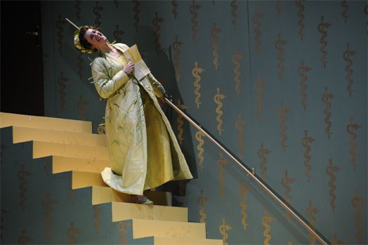 Data: 2011 Luogo: Teatro Estatal de Hesse Regia: Michiel Dijkema Costume: Claudia Damm Attore: Merit Ostermann / Sharon Kempton Fonte: http://www.michieldijkema.nl/language_nl/prod_barbiere.html