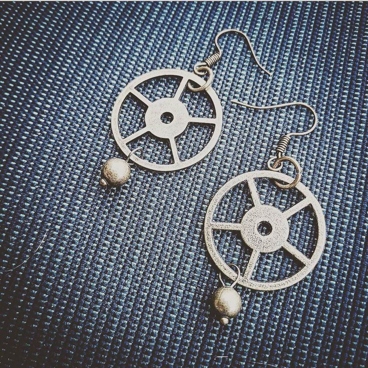 Gear up! Papercranest.com #earrings #picoftheday #handmadelife #gears #brassjewelry #upcycledart #bohojewelry #accessories #handmadenation #instadaily #makersbiz #wanderlust #creativelife #giftset #antique #vintage #victorian #forsale #gifts #creativegifts #steampunk #bridesmaidsgifts #steampunkfashion Steampunk Accessories for the Adventurous! Find your new favorite thing: Papercranest.com